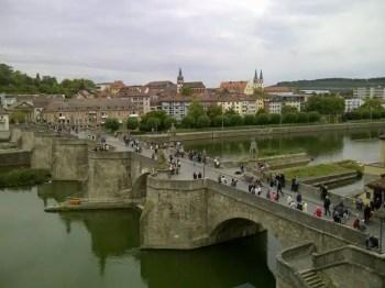 Ponte vecchio sul Meno
