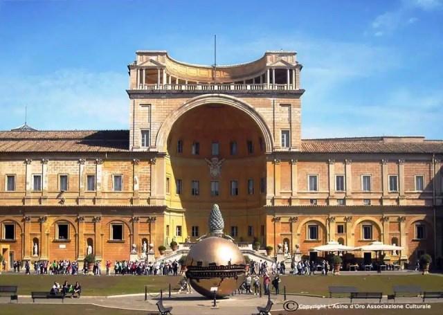 Musei Vaticani - Cortile della Pigna