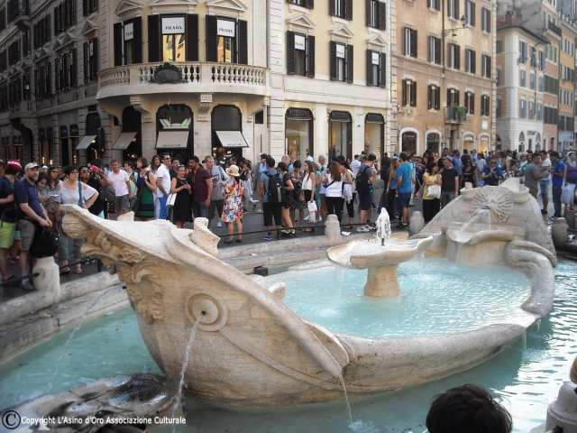 Barcaccia - Piazza di Spagna, Roma