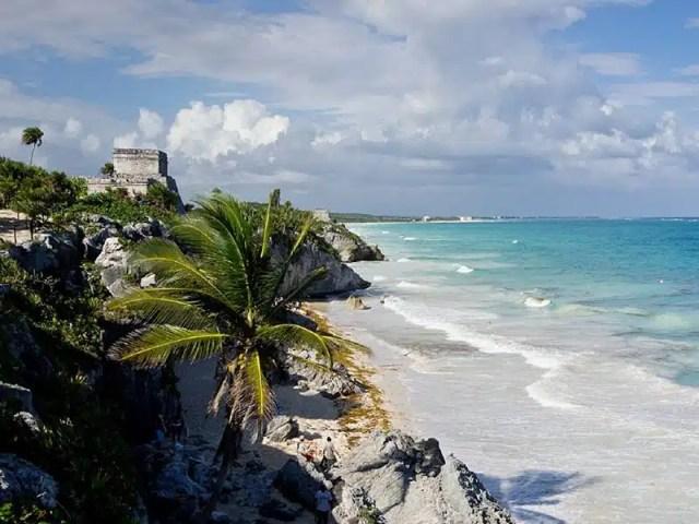 2-el-castillo-affacciato-sul-mar-dei-caraibi
