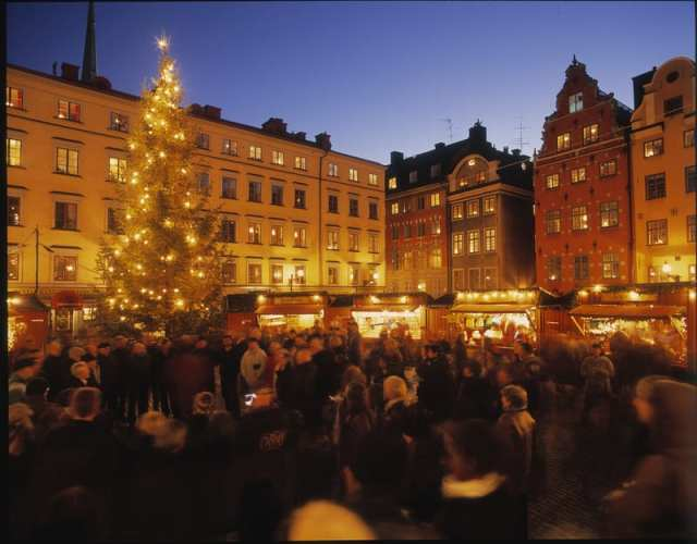 christmas_market_old-town_photo_jeppe-wikstro%cc%88m_low-res