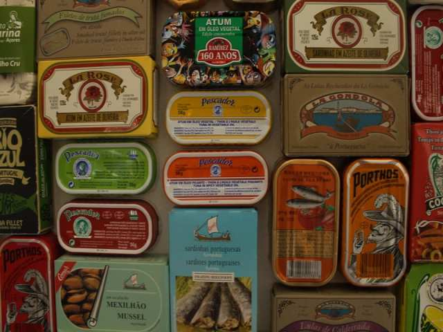 lisbona-scatole-sardine-e-tonno