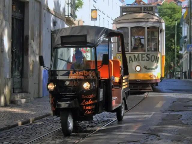 lisbona-tram-e-apecar