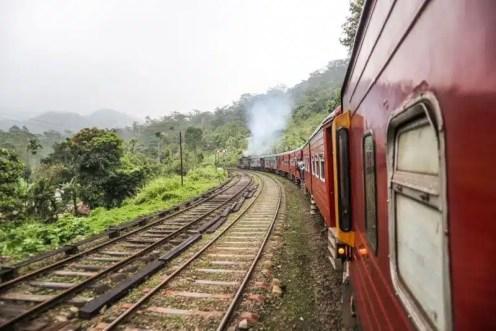 Sul treno diretto a Nanu Oya