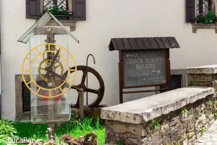 Pesariis: il paese degli orologi