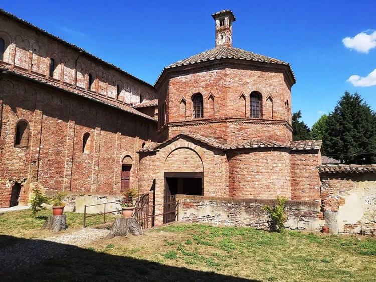 Il battistero di San Giovanni ad Fontes