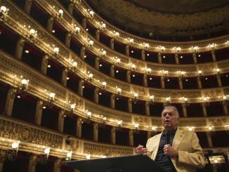 Πέθανε ο διακεκριμένος θεατρικός συγγραφέας Έντουαρντ Άλμπι