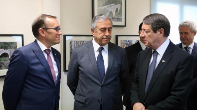 Τελευταία συνάντηση Αναστασιάδη-Ακιντζί στο πλαίσιο των εντατικοποιημένων διαπραγματεύσεων