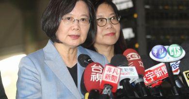 蔡英文和民進黨聯手偷走台灣的民主