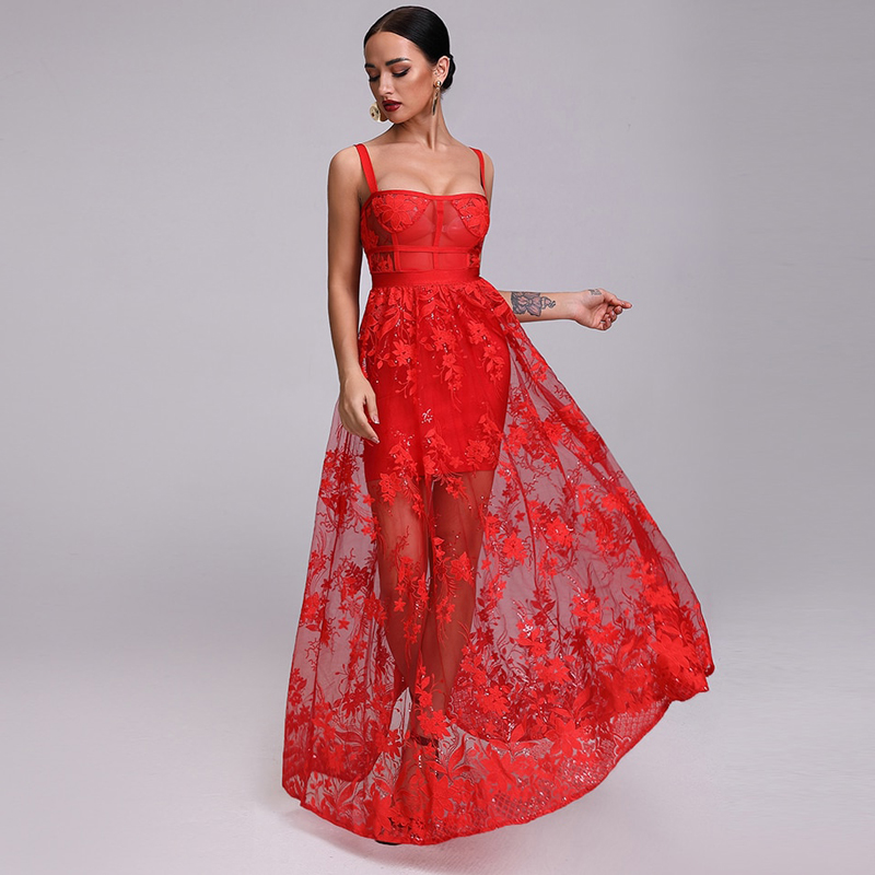 Model zeigt Kleid rot bodenlang, von vorne