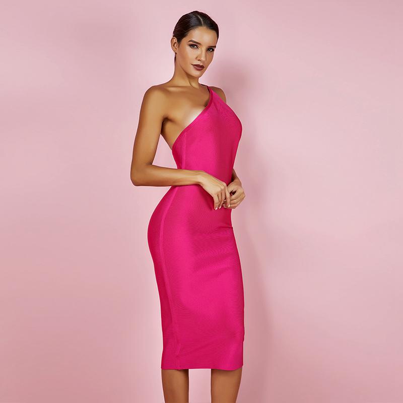 Modelbild One-Shoulder-Kleid pink seitlich