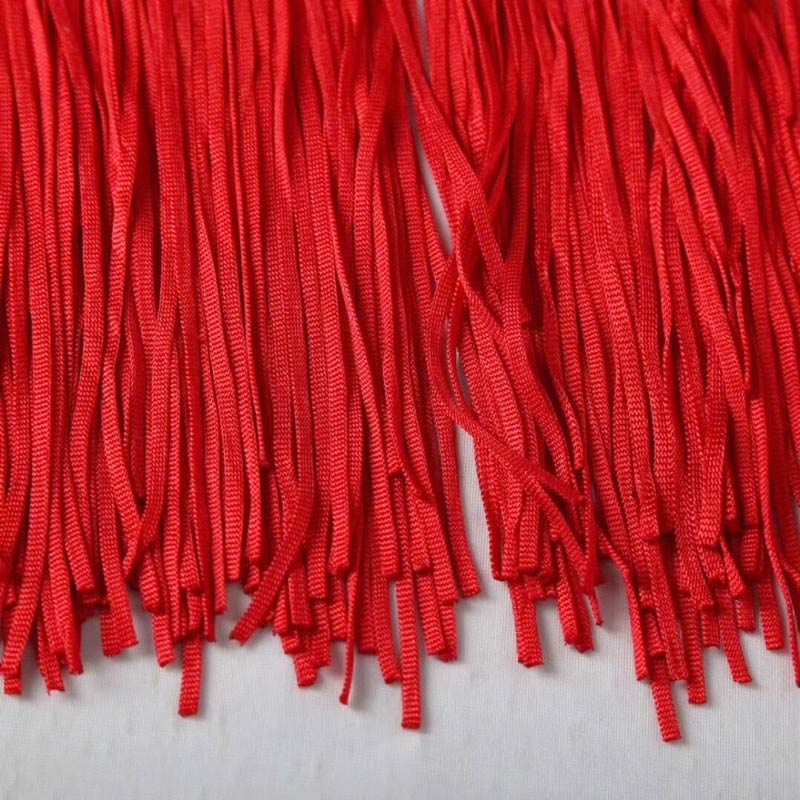 Detailbild langes rotes Kleid