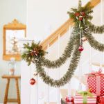christmas-stairs-decoration-ideas-2
