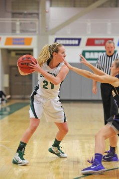 Babson College senior Ashley Russell and the Bears kick-off their 2016-17 season on Saturday, November 19th when they tip-off against Farmingdale State. (PHOTO CREDIT: Babson College Athletics)