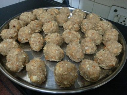 Choorma laddoos