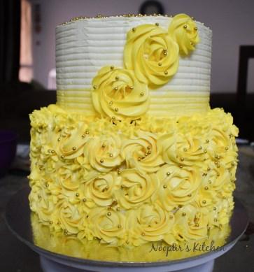 Pineapple Cake with Pineapple SMBC