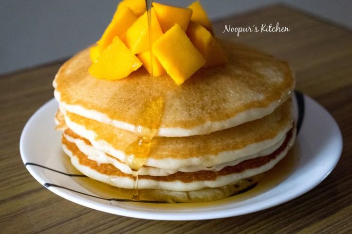 pancakes with honey n mango1.jpg