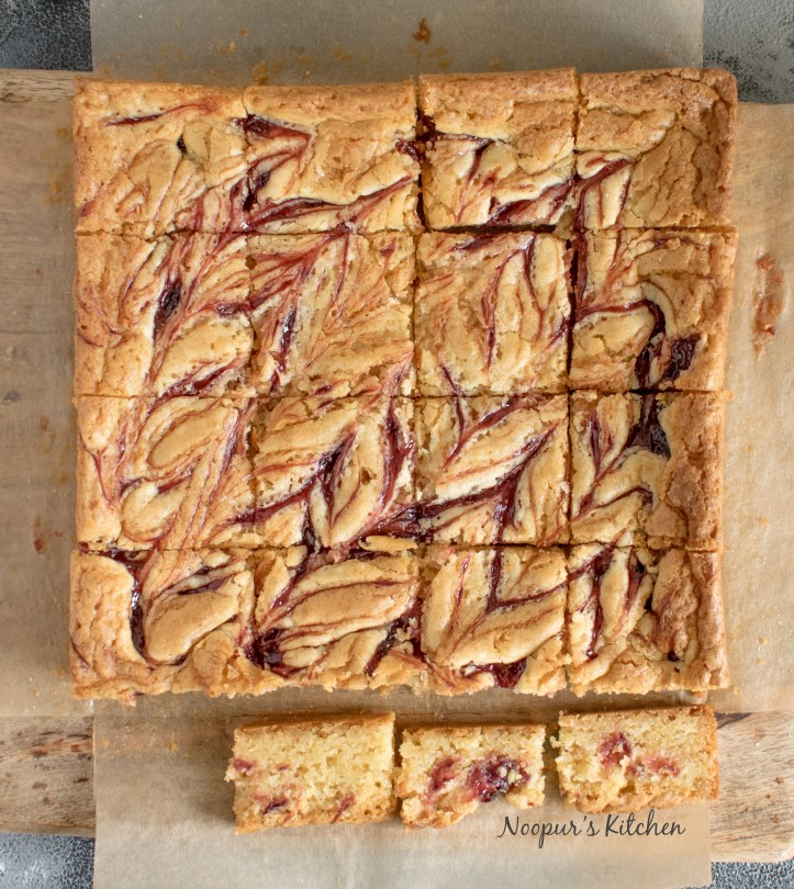 strawberry white chocolate blondies