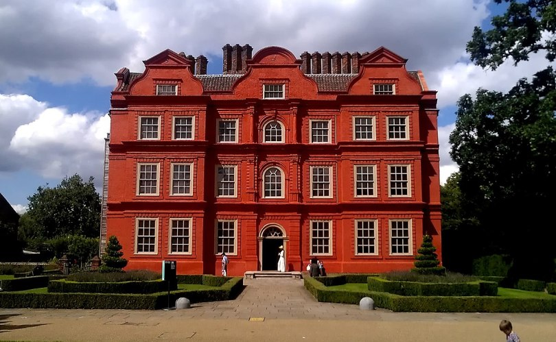 1200px-The_Dutch_House_at_Kew_Palace