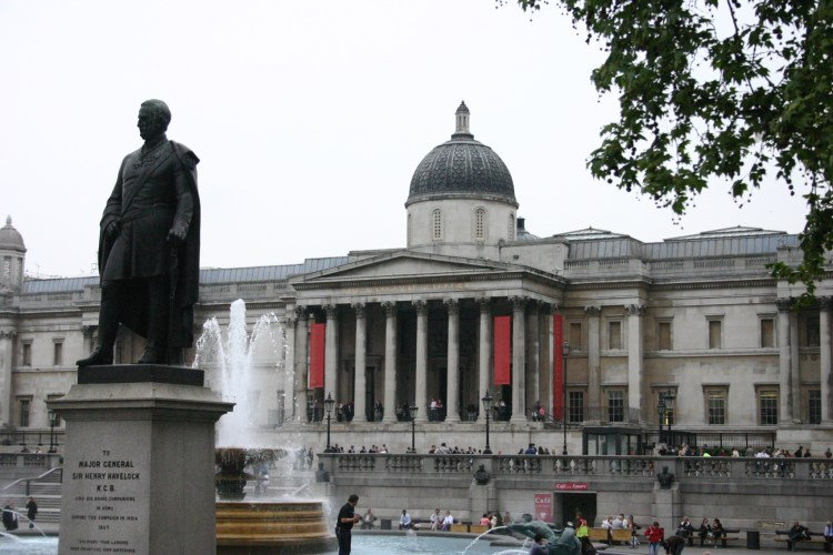 National_Gallery,_Trafalgar_Square,_London_-_20060515