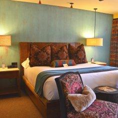 Kayenta guestroom