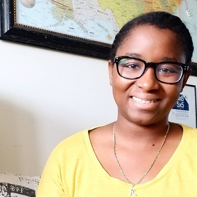 Meet Elisabeth of Desamour Designs, a fellow poc designer. Here, I'm featuring her and her beautiful crochet patterns for women!