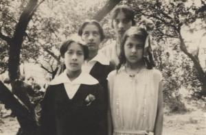 Hidayat, Vilayat, Noor, and Khairunissa. 1928