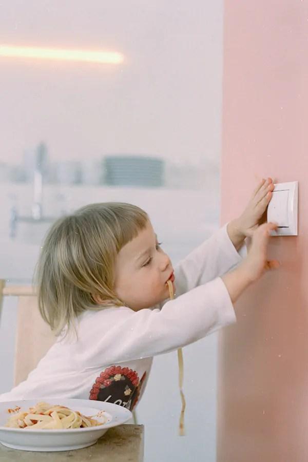 Noort installeert veilige elektra voor kinderen
