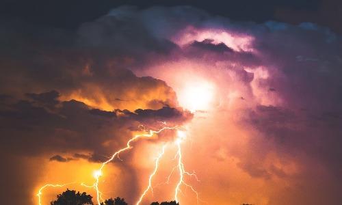Tiempo de tormentas