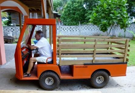a fun little truck - perfect for Utila