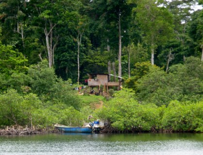 Living on an islet local style - Bocas del Toro