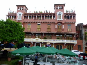 Casco Viejo - Hotels, apartments and restaurants