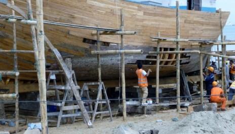 a slow process of repair, Manta Boatyard