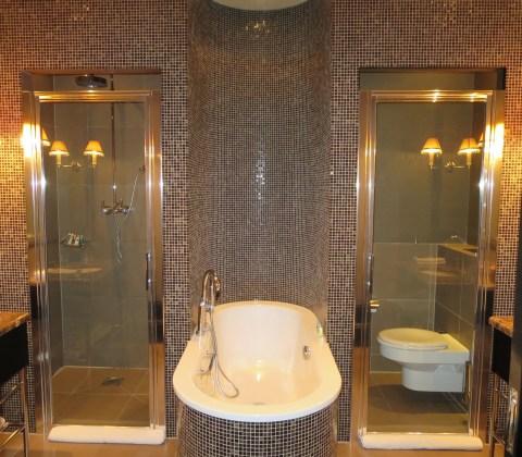Shower pod and toilet pod?!
