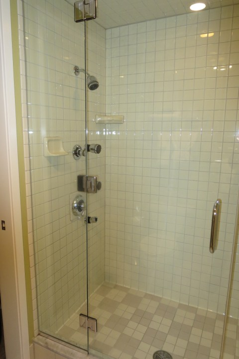 This is a glass shower cube.  YES.