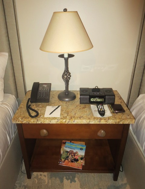 Old school nIghtstand needs power and a second lamp