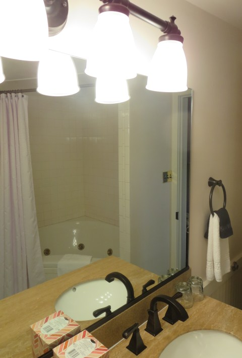 Big huge tub shower thing remains intact: room 30