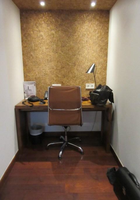 Desk alcove