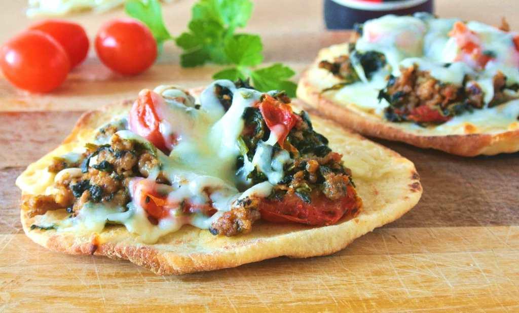 Fast Italian Sausage and Spinach Mini Pizza