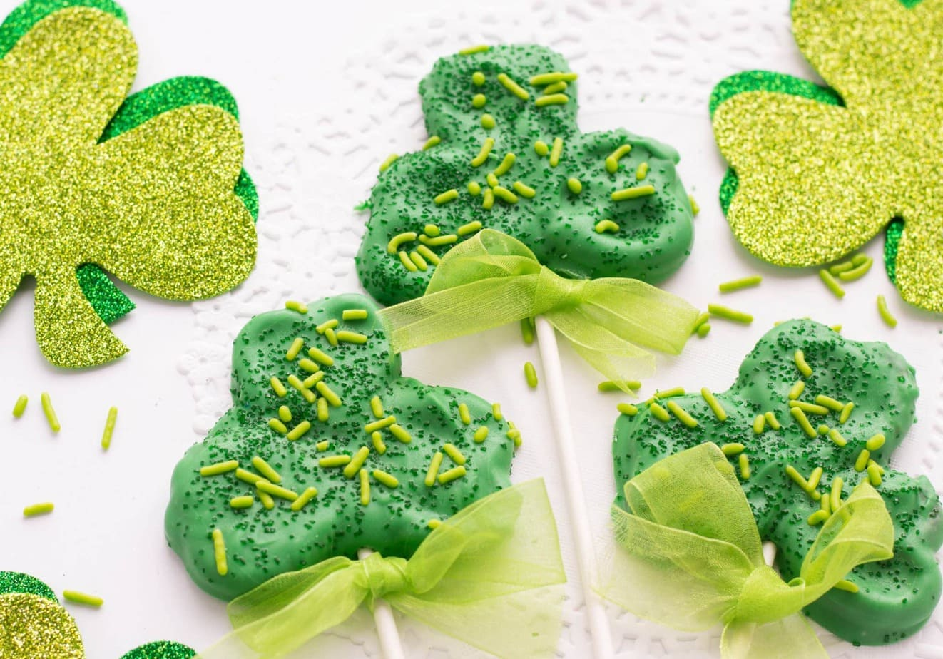 St. Patrick's Day Shamrock Pretzel Sticks