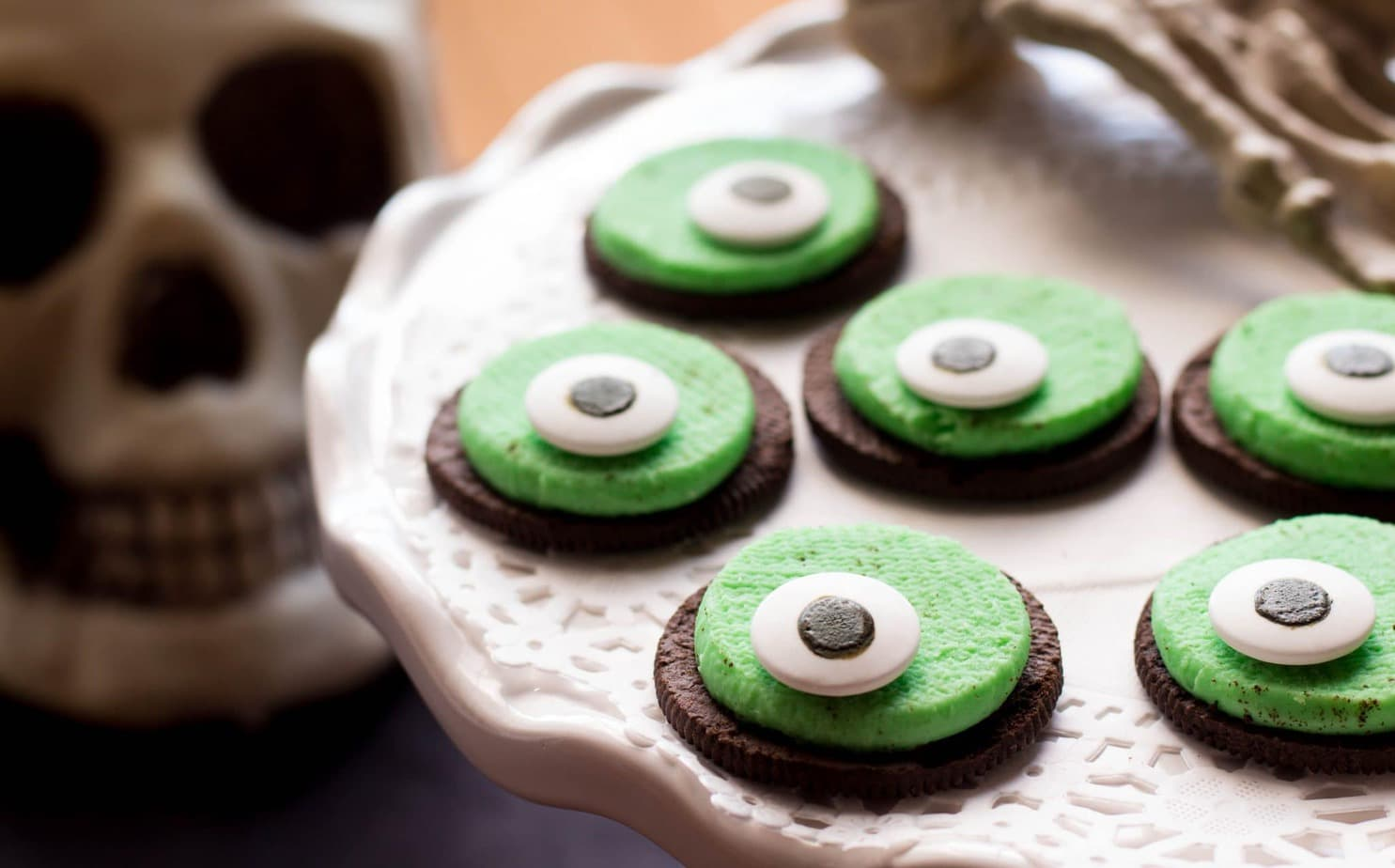 Super Easy One-Eyed Monster Oreo Cookies