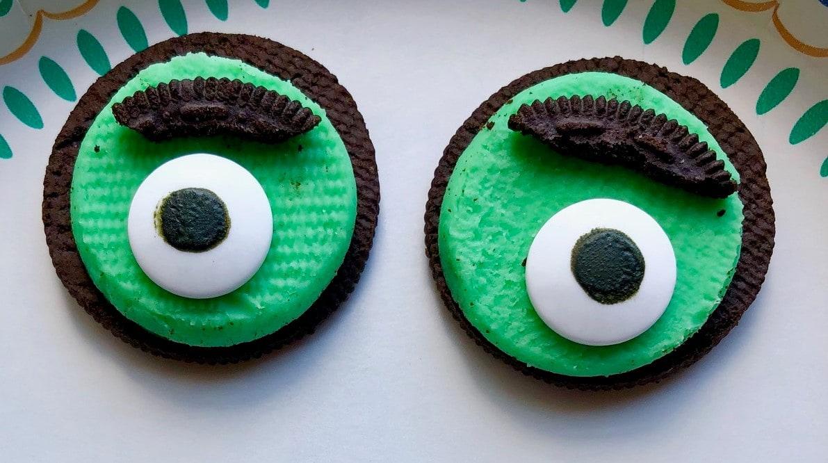 Halloween Eyes Oreo Cookies