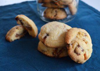 Composit Cookies mit Salzstangen und Schokolade
