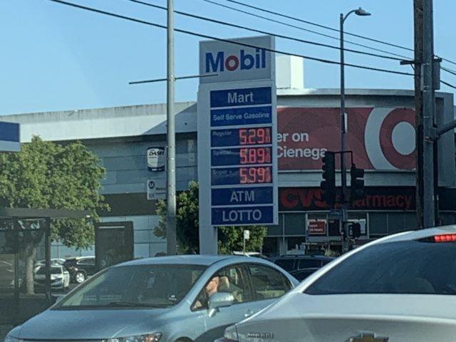 PHOTO: Gas Prices Near $6 per Gallon in Los Angeles, California