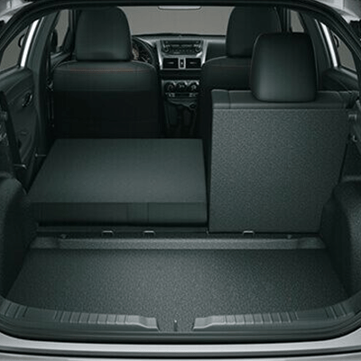 ESPACIO DE CARGA   Cuando la maletera no basta, sus asientos posteriores abatibles 60:40 facilitan transformar el espacio de manera versátil, ajustándose a tus necesidades.
