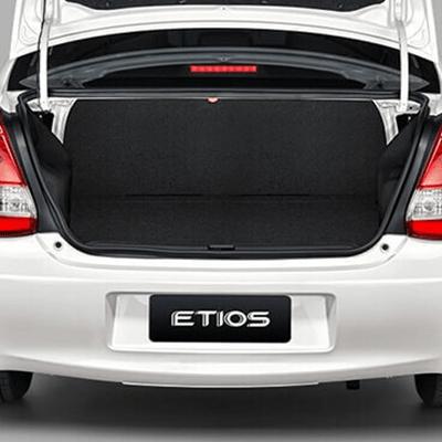 Gran capacidad de carga   Maletera con 562 litros de capacidad, entre las más grandes para un vehículo compacto. Cuenta con una amplia apertura y baja altura que facilita la carga y descarga de equipaje.