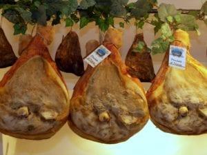 Prosciutti di Norcia Norcineria Felici