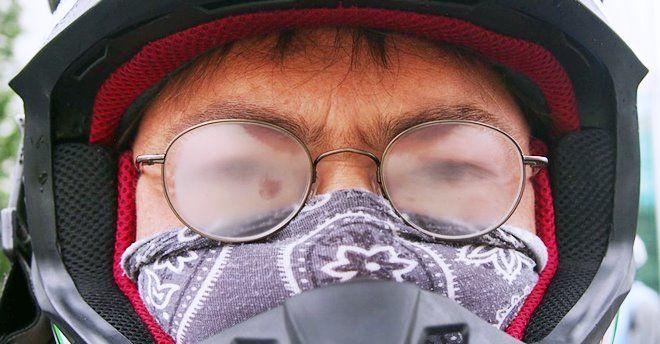 Avec le masque, comment éviter la buée sur vos lunettes