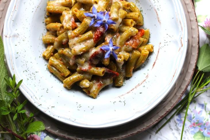 Sedanini-di-piselli-glutenfree-ai-pomodorini-e-fonduta