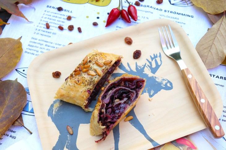 strudel-salato-con-cavolo-viola